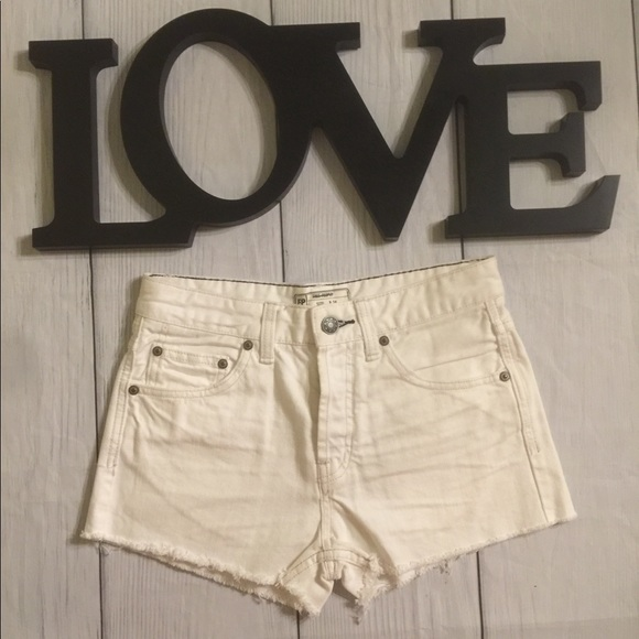 Free People Pants - Free People Size 24 White Cut Off Jean Shorts